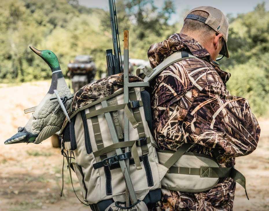 Big Foot Waterfowl Work Station Extended-Carry Pack