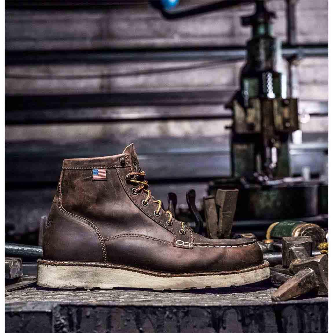 "Danner 6"" Bull Run Moc Toe Work Boot_2.jpg"