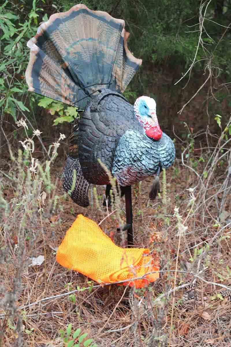 Mojo Shake-n-Jake Remote Controlled Turkey Decoy_3.jpg